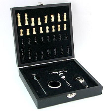 Подарочный набор для вина в футляре с шахматами